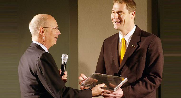 """2005: Auszeichnung und Preisträger """"Schwab Social Entrepreneur"""""""